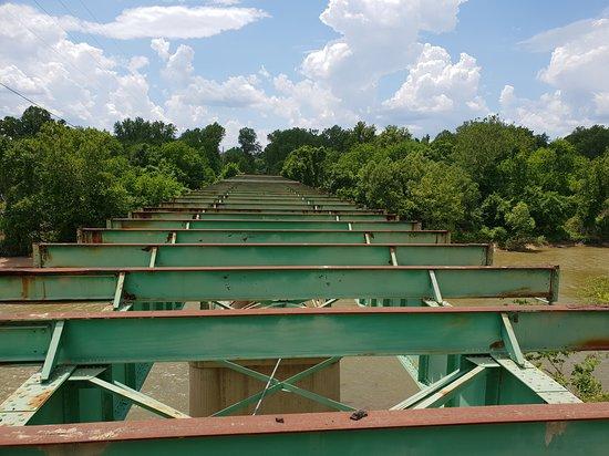 Route 66 State Park: Disused bridge
