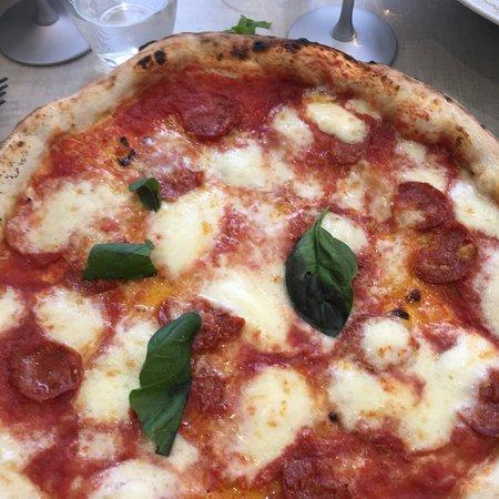 Pizzeria Spacca Napoli Photo