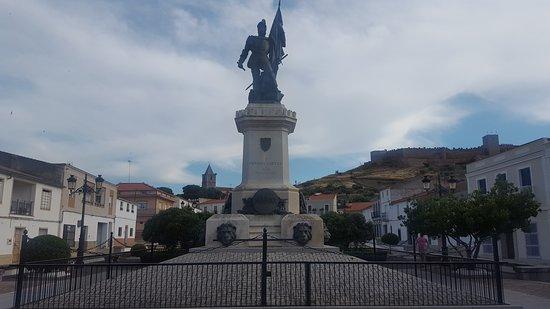 Statue of Hernan Cortes