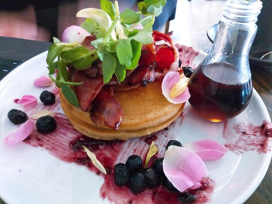 Walkerville, Australien: pancakes with maple & bacon