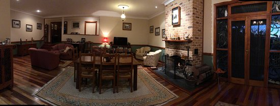 Amamoor, Australie : Main living and dining room