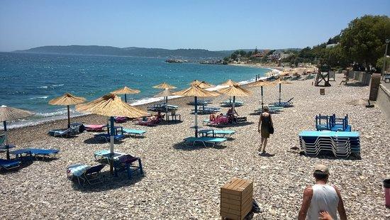 Ruhiges Badevergnügen auf Chios - Picture of Agia Fotia ...