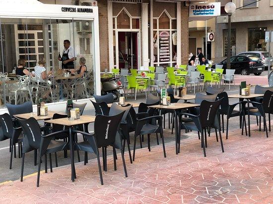 Cafeteria CremOso: Terraza