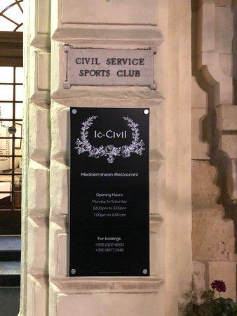 Ic-Civil: Вывеска на входе
