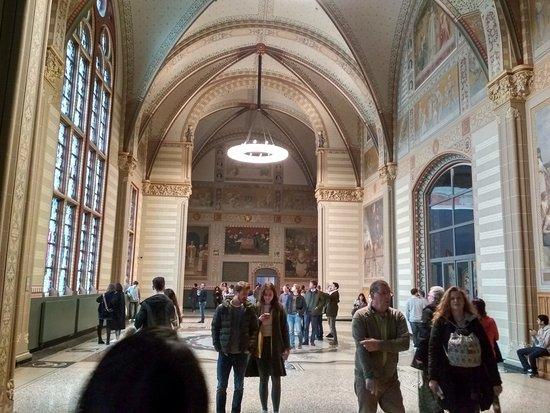 Rijksmuseum: Hallway towards Rembrandt collection