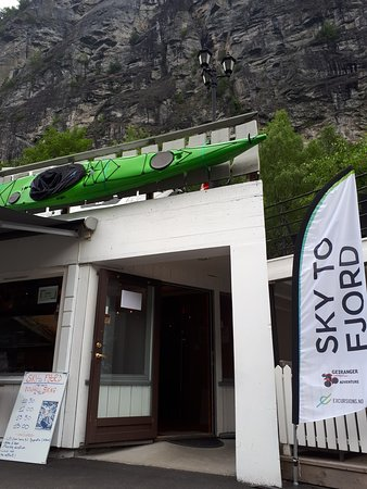 Geiranger Adventure: Our office where you will find us and all the information you need for a nice tour
