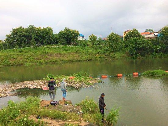 Waduk Universitas Diponegoro: Memancing