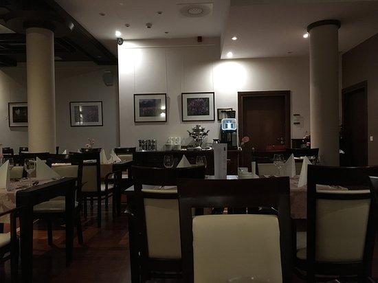 Crocus Hotel: Restauracja hotelowa