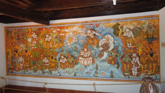 Muttukadu, India: mural painting in a house at DakshinChitra