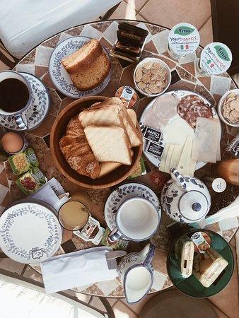 Villa Palumbo B&B: Breakfast in the room