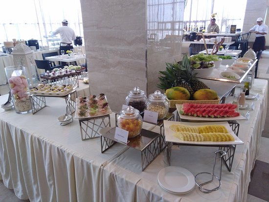One Central Hotel & Suites: Cafe Tartanilla