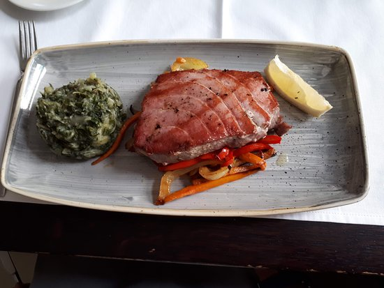 Restaurant Apetit: Atun con acompañamiento de verduras