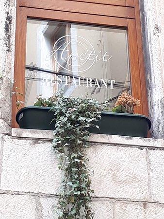 Restaurant Apetit: desde la calle