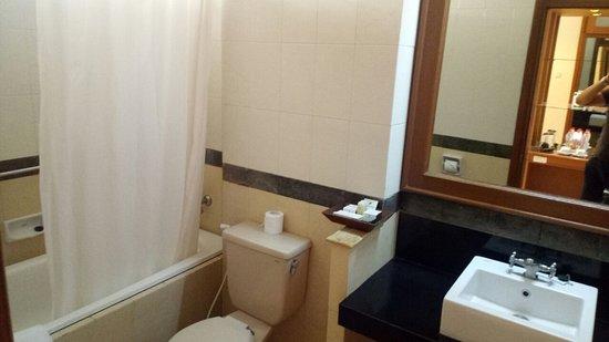 Kamar Mandi Di Batu View Foto Purnama Hotel Malang Tripadvisor