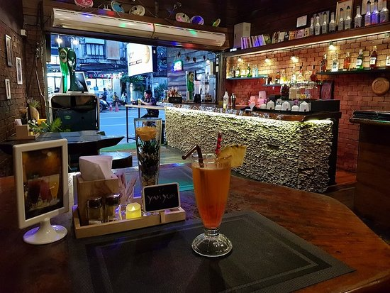 Yam Yum Bar By The Connection Bangkok Restaurant: Cill Cill...