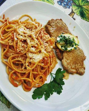 #scaloppine al #limone   Con #spaghetti #napoli #parmiggiano #buonissimo #tagesessen #mittagstis