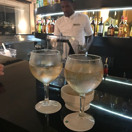 Excellence Oyster Bay: Last tonic in the bar .... and they had to go get that from another bar