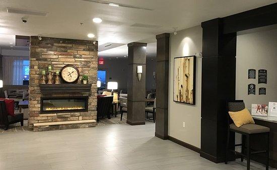 Staybridge Suites Rapid City Rushmore : Front lobby. Ketan Deshpande Minnesota MN