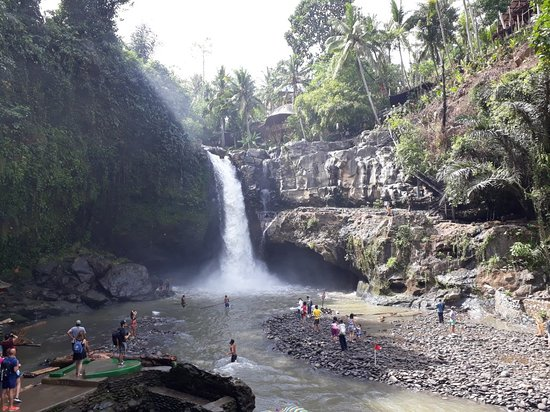 Tegenungan Waterfall – fénykép