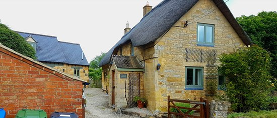 Stretton on Fosse, UK: We rented the cottage in the back: Cotswold stone cottage. Alice's Loft. Cosy cottage