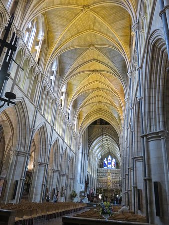 Southwark Cathedral: 大聖堂の内部