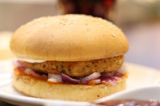 Two21 - Cafe & Speedmart: Best burgers in Mathura