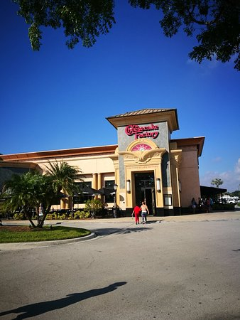The Cheesecake Factory: IMG_20171208_142232_large.jpg