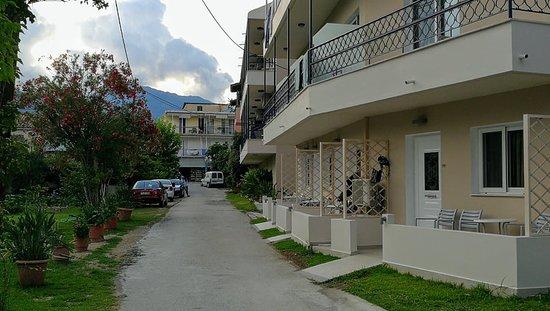 Avra Beach Hotel: The alley from main street