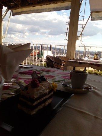 caruso: the cake