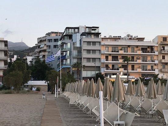 Kriti Beach Hotel: Blick vom Strand