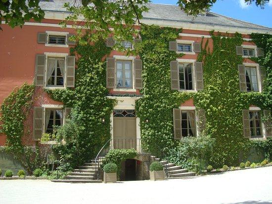 Courban, France: le chateau