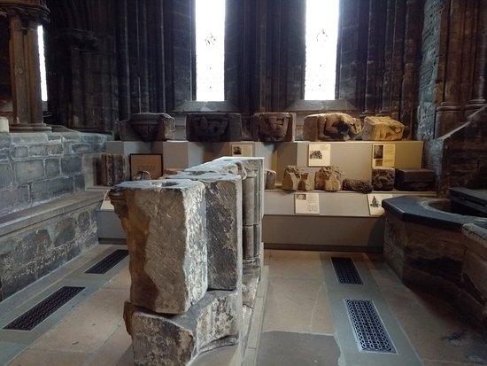 Glasgow, UK: Pedaços antigos da catedral, removidas durante as reformas