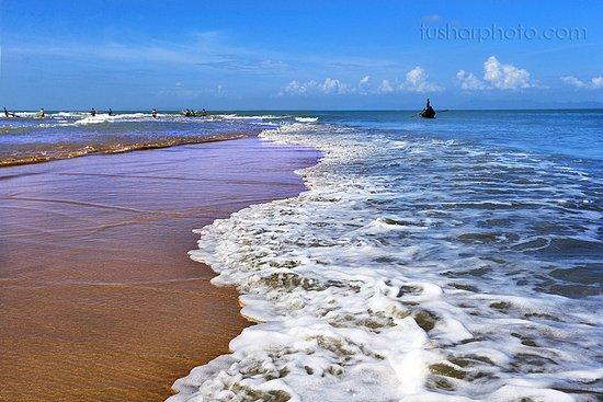 Saint Martin's Island, Bangladesh: The Saint Martin's Island, locally known as Narkel Jinjira. It is the only coral island