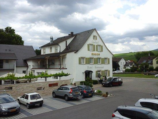 Auggen, Germany: haupthaus mit restaurant...