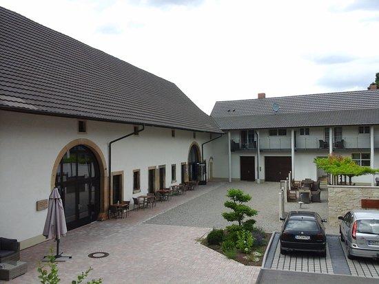Auggen, Germany: außenansicht . .......ehemaliger stall, jetzt frühstücksbereich und veranstaltungssaal....
