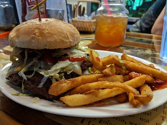 Old Mill Cafe: Hamburger lunch