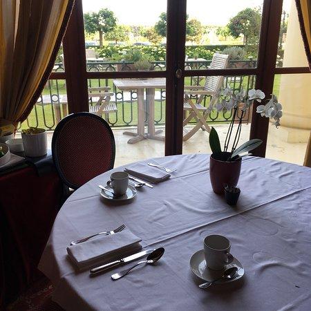 Hôtel Barrière Le Royal Deauville : photo2.jpg