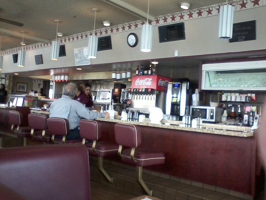 Winnemucca, NV: Sid's - Counter seating available in addition to booths