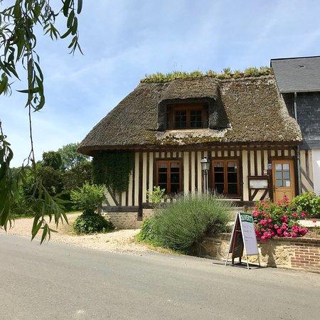 Le Mesnil-sur-Blangy, France : photo1.jpg