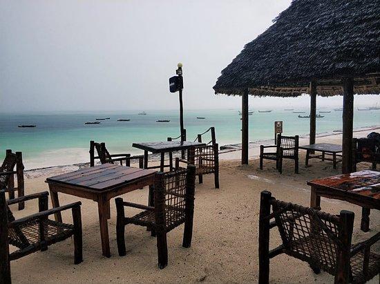 Fisherman's Seafood & Grill: Дождь