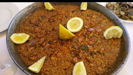 Mesón La Rambla: El arroz a banda está exquisito. Y puedes encargarlo para llevar a casa