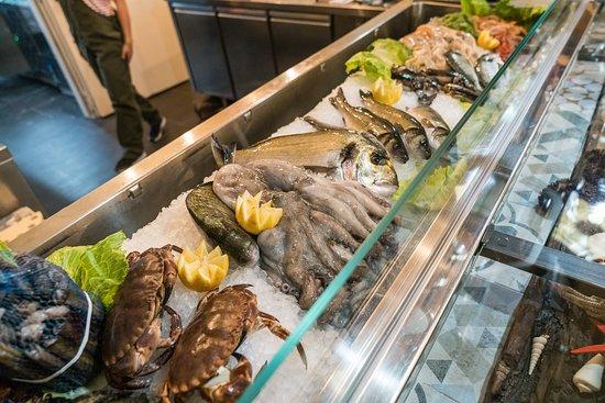 Buffet Italiano Cagliari : Closed la terra di mezzo cagliari restaurant happycow