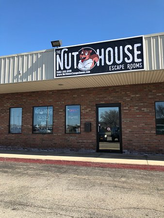 Nut House Escape Rooms: Exterior