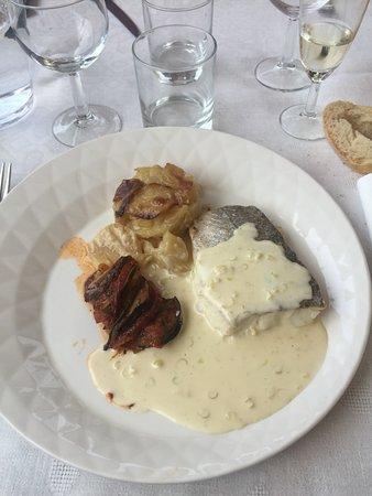 Saint-Julien-Labrousse, France: Filet de merlu, sauce à la citronnelle