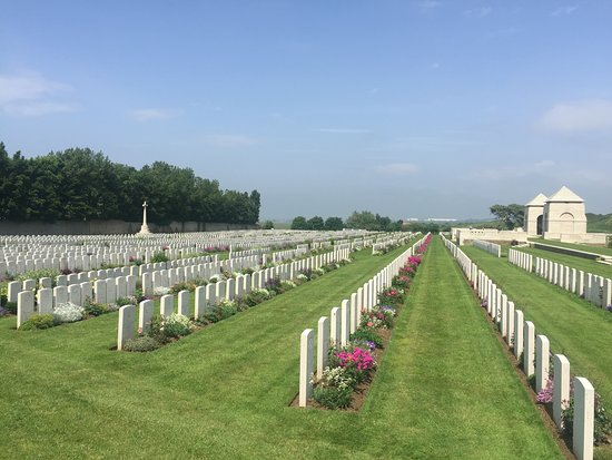 Wimereux Cemetery - Commonwealth War Graves