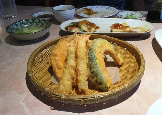 Kimchi Korean & Japanese Restaurant: Appetizer assorted tempura.