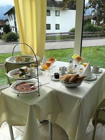 Hotel Christine: Frühstückstisch