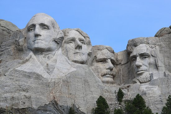 Fort Hays Old West Town and Dinner Show: Mt. Rushmore