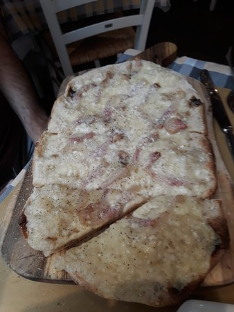 433 Restaurant: pizza Gricia