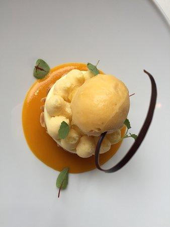 L' AOC: Mango dessert